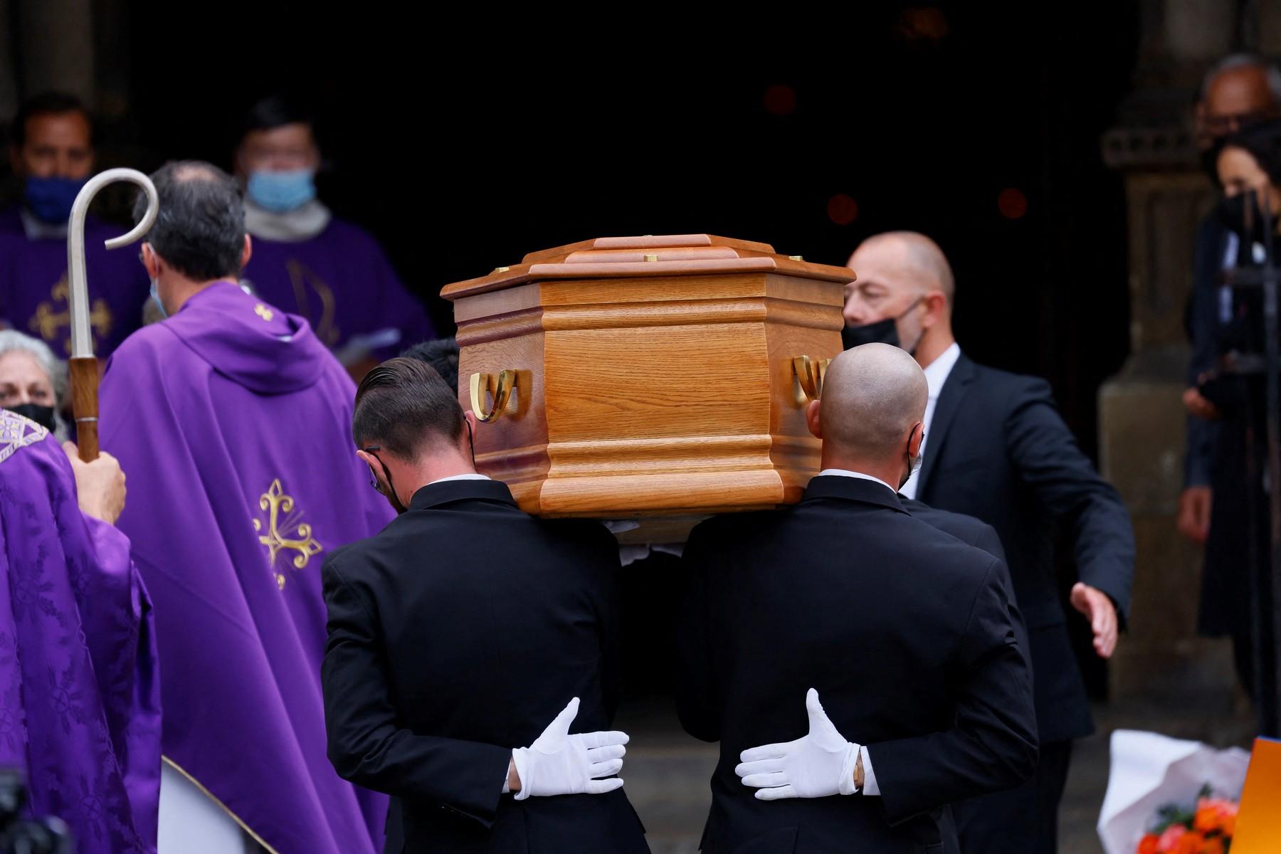 V Paříži proběhl pohřeb Jeana-Paula Belmonda. Co si herec přál?
